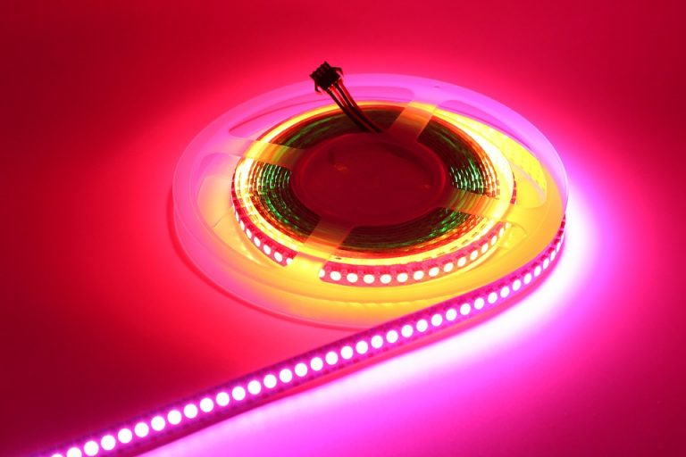Read more about the article Tout savoir à propos de l'éclairage LED