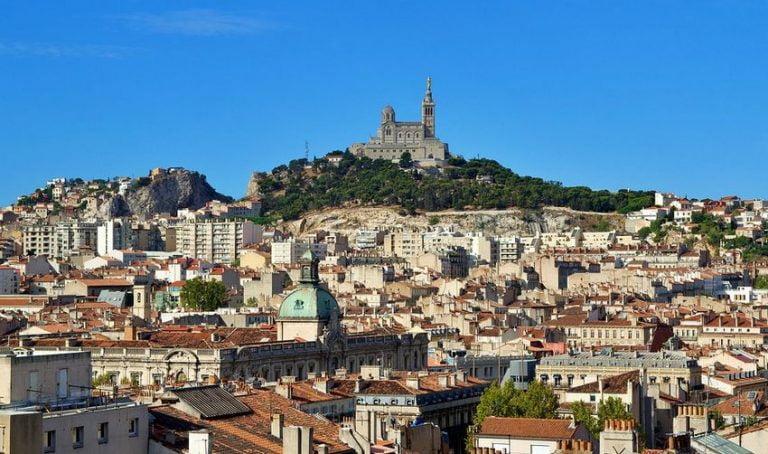 Read more about the article VTC Marseille pour visiter ses plus beaux lieux touristiques